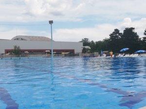 Za đake sa eKG karticom besplatno kupanje na bazenima jednom nedeljno