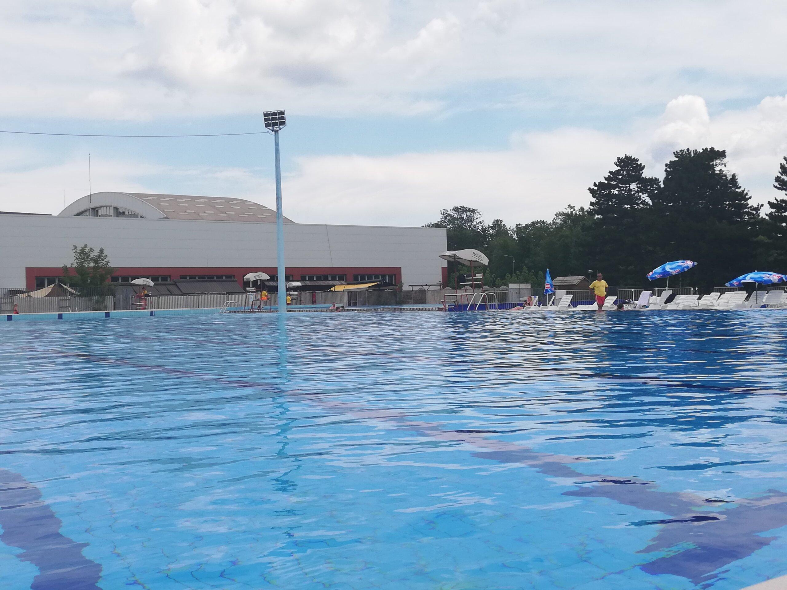 Read more about the article Za đake sa eKG karticom besplatno kupanje na bazenima jednom nedeljno