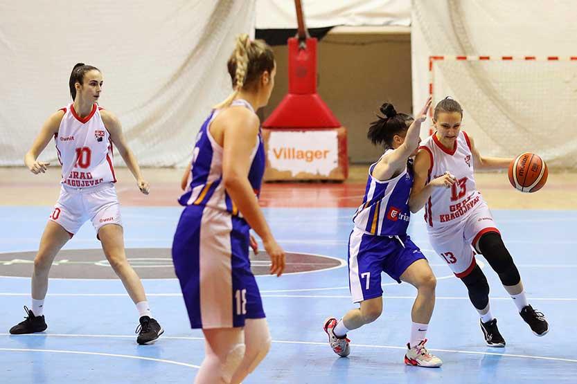 You are currently viewing Tesan poraz košarkašica Radničkog na zatvaranju sezone